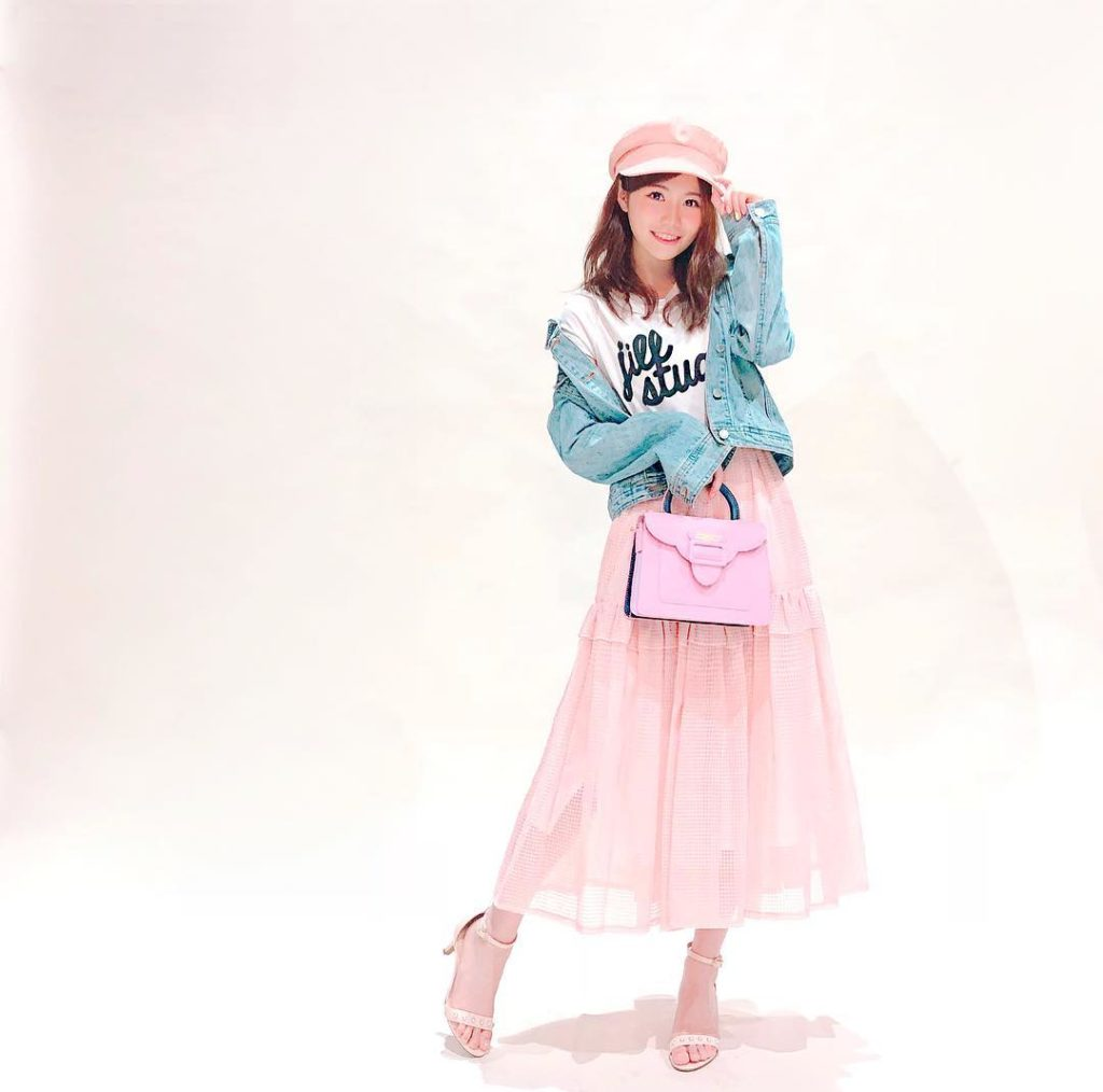 今日の洋服です  casquette→ #lackofcolor  T-shirt→ #jillstuart  skirt→ #HONEYMIHONEY han...