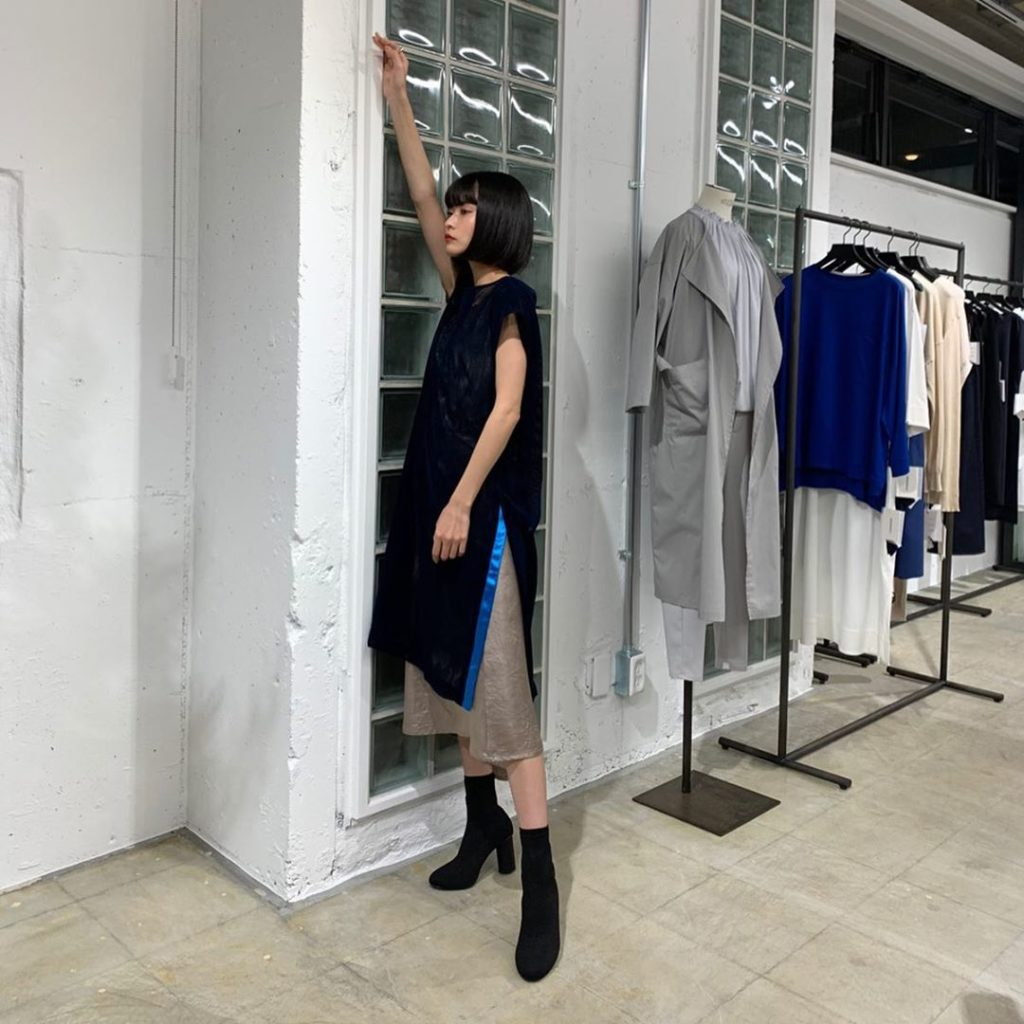 MIDIUMISOLID for Ladies 2020 spring summer collection exhibition  シースルーワンピとメタリック...